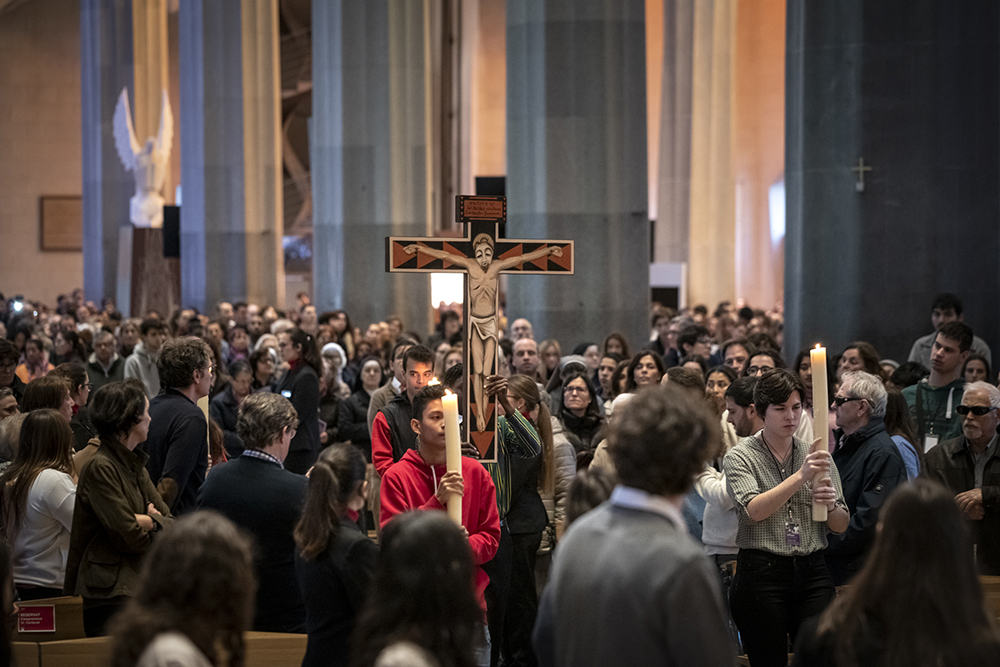 "Basilica kicks off Lent with ""Sent la Creu"" mass"
