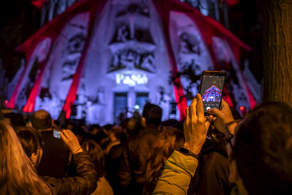 More than 60.000 people enjoyed illumination of Passion façade from home