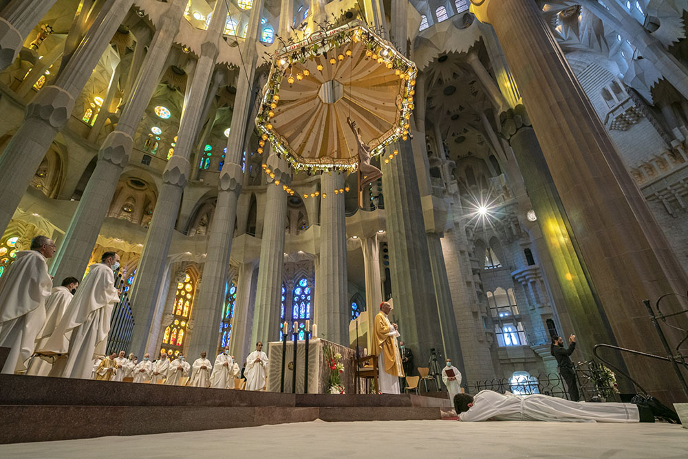 Five new priests of the Archdiocese of Barcelona ordained in a ceremony held in the Basilica